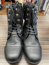 Load image into Gallery viewer, Michael Michael Kors Boots Size 5