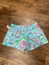 Load image into Gallery viewer, Lilly Pulitzer Shorts Size 8 (29)