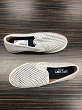Load image into Gallery viewer, Sperry Top Sider Sneakers Size 7