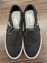 Load image into Gallery viewer, Vans Sneakers Size 7