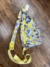 Load image into Gallery viewer, Vera Bradley Handbag