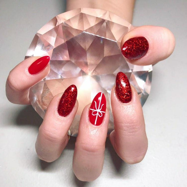 4 Festive Nail Designs You Can Actually Do Yourself