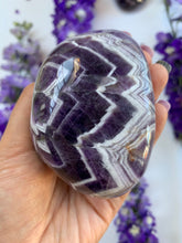 Load image into Gallery viewer, Chevron Amethyst