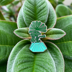 Lady Palm Pin
