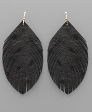 Load image into Gallery viewer, Ostrich Feather Earrings