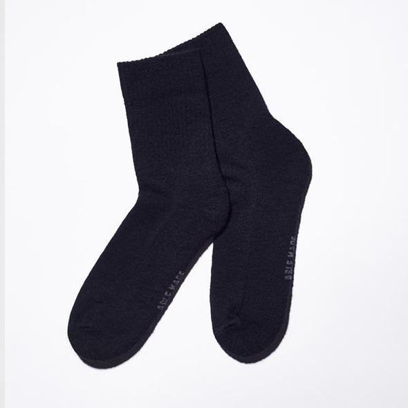 Boldly Solid Wool - Black