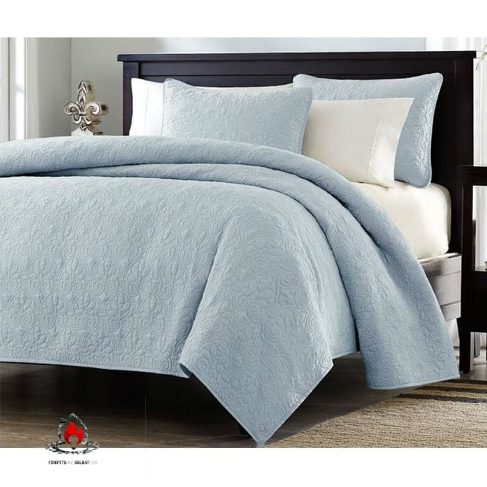 Full / Queen size Quilted Bedspread Coverlet with 2 Shams in Light Blue - Bedroom > Quilts & Blankets