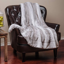 Leafe Pattern Gray White Throw