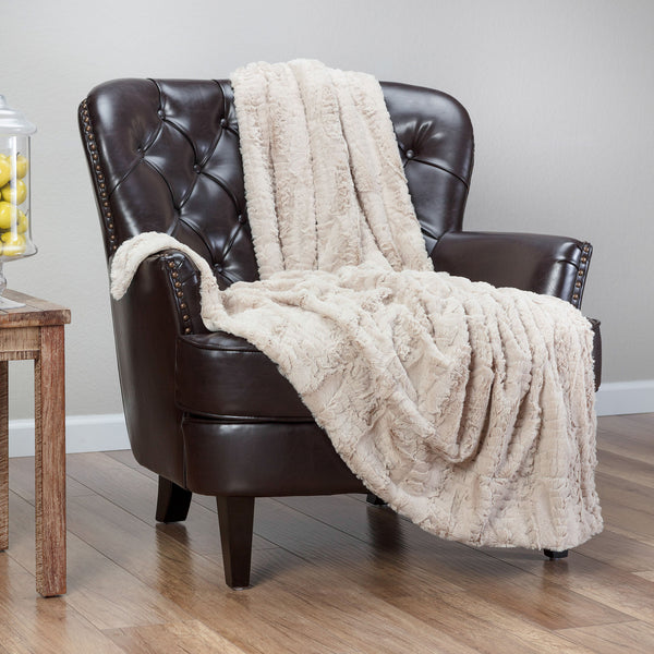 Feather Beige Throw