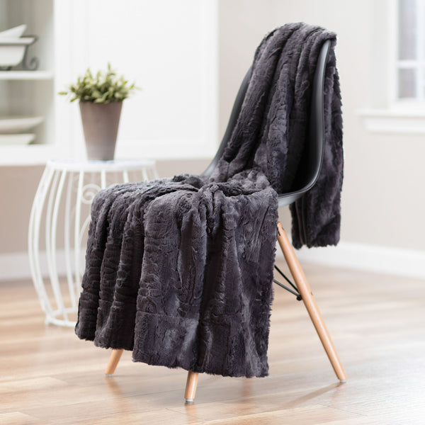 Feather Dark Gray Throw