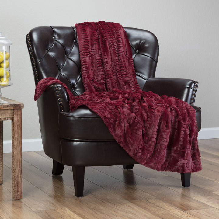 Feather Maroon Throw