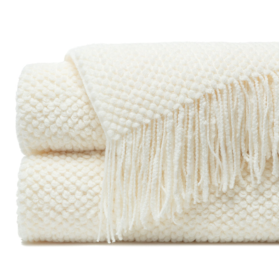 Roundpearl Creme Throw