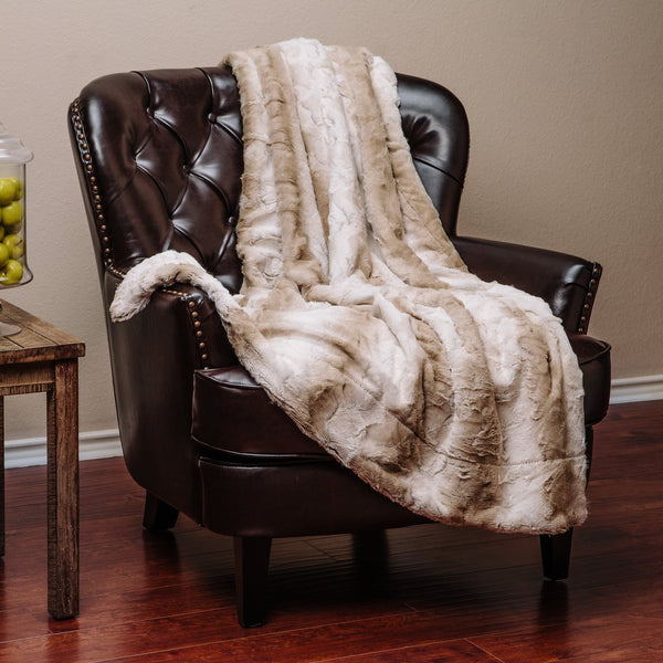 Stem Pattern White Brown Throw