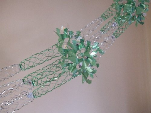 GREEN AND SILVER 4 SECTION GARLAND