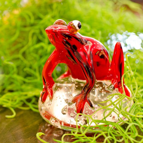 Red Jungle Frog Glass Paperweight