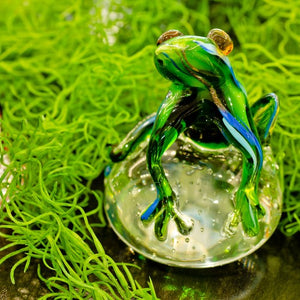 Green Jungle Frog Glass Paperweight