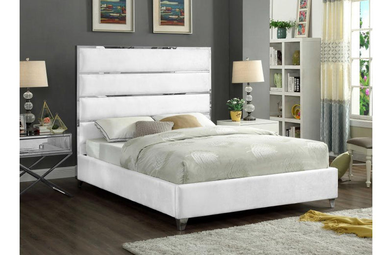 Eachthighearn White Bed