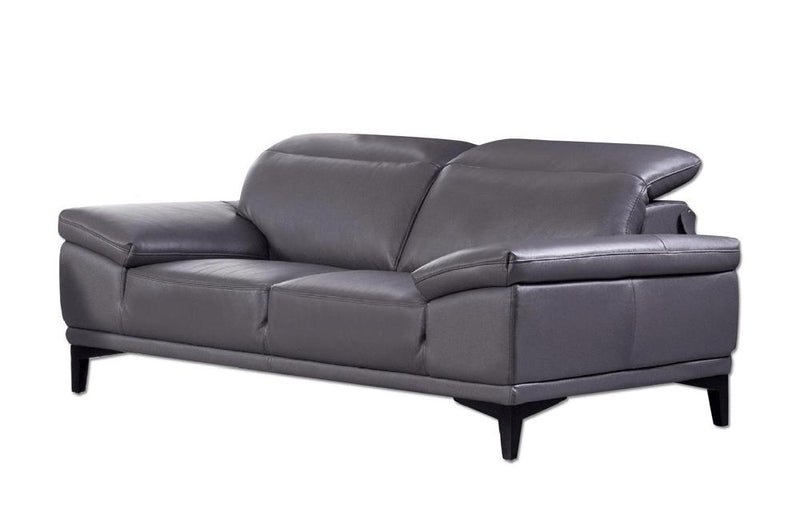 Hali Loveseat