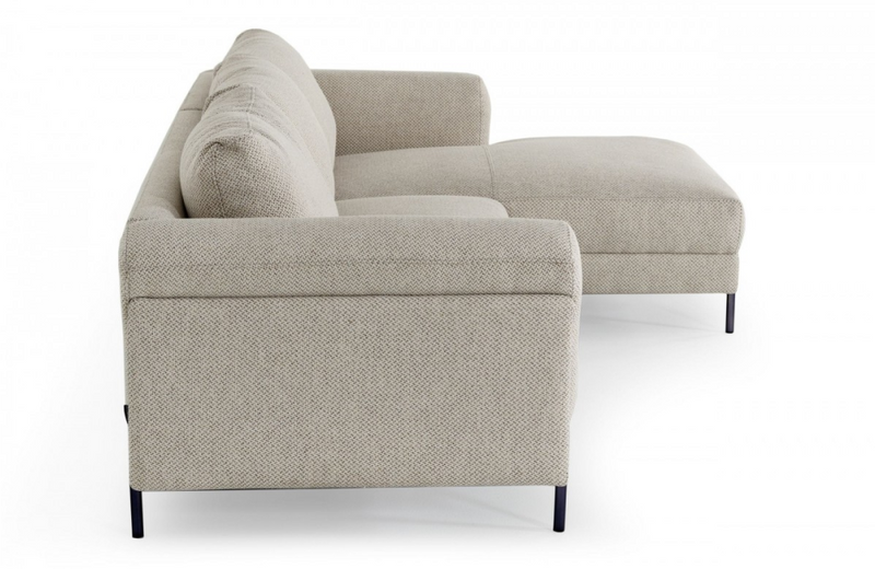 Hartford - Modern Sectional Sofa w Right Facing Chaise