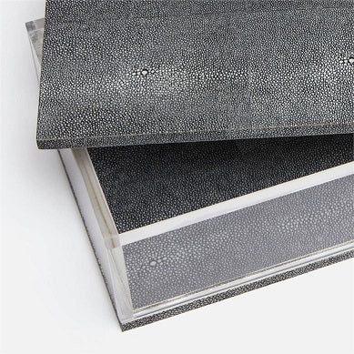 Valda in Faux Shagreen Box