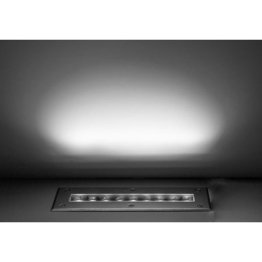 Luminario rectangular integrado 13.5W 15x45° 30cm fabricado en acero inoxidable para empotrar en piso incluye housing de iLumileds. Ideal para iluminar muros.