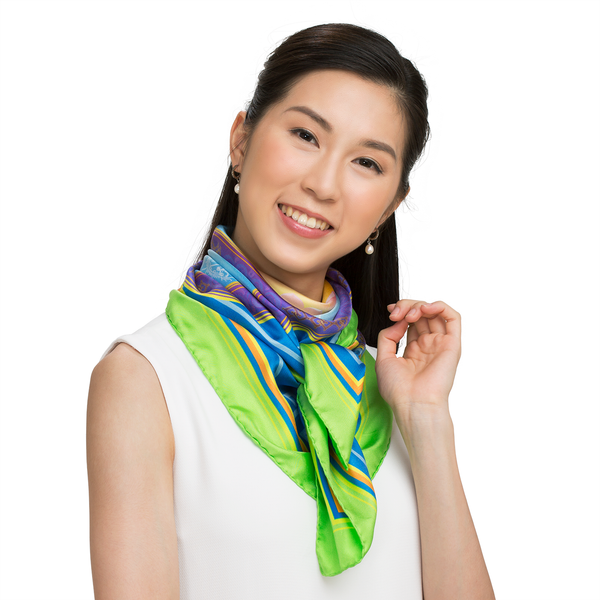 Elegance of the Yi Scarf