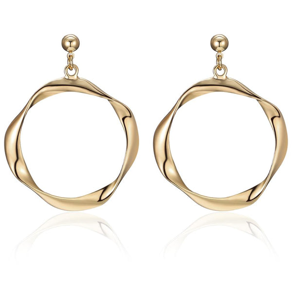 Twisted Classic Hoop Earnings