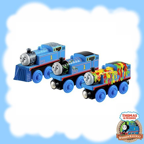 Thomas & Friends Wooden ADVENTURES OF THOMAS Y4102