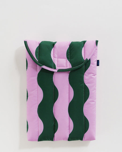 Baggu Puffy Laptop Sleeve Case Pink Green Wavy Stripe Utrecht Nederland