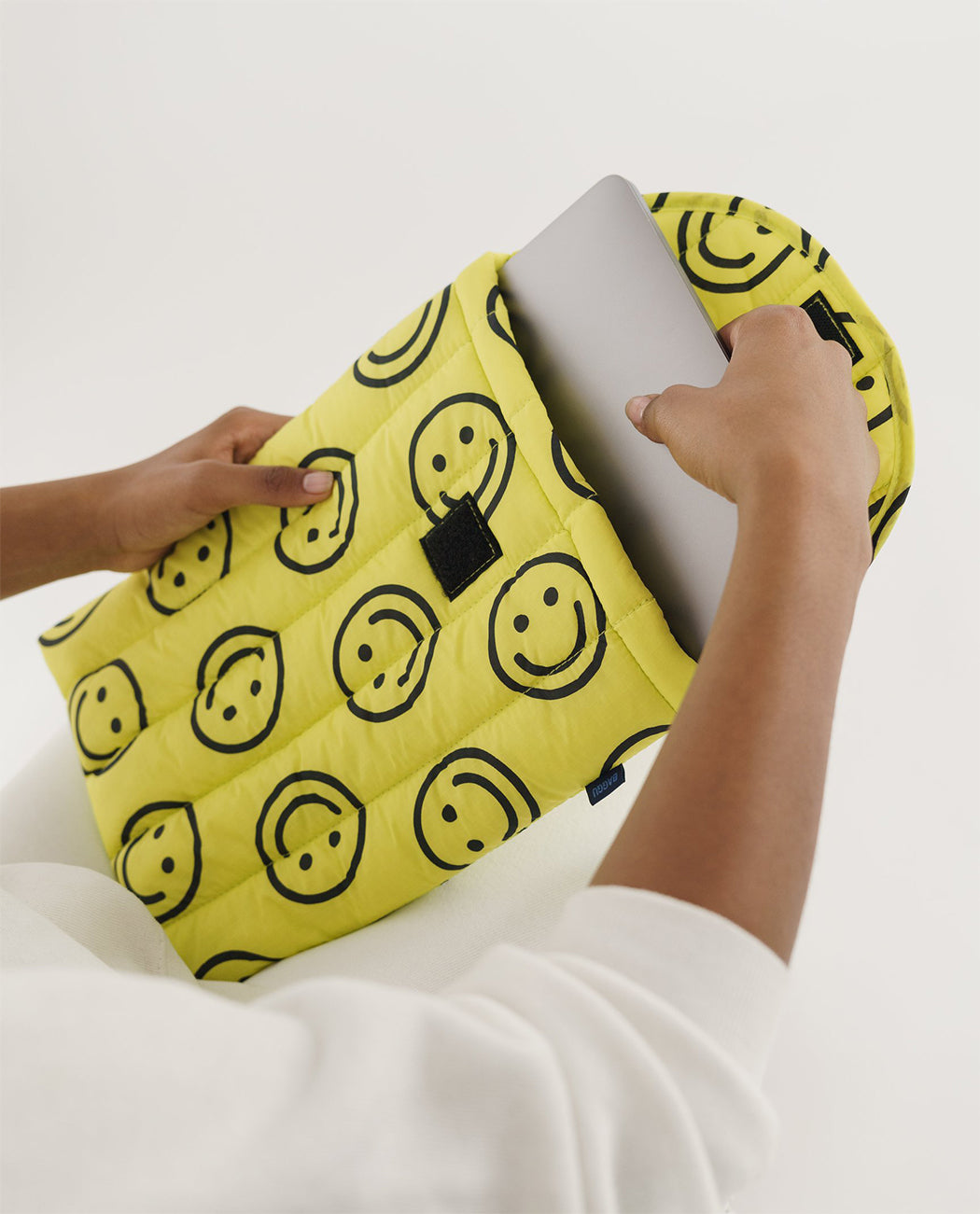 Baggu Puffy Laptop Sleeve 13 16 Inch Yellow Happy Smiley Nederland Europe