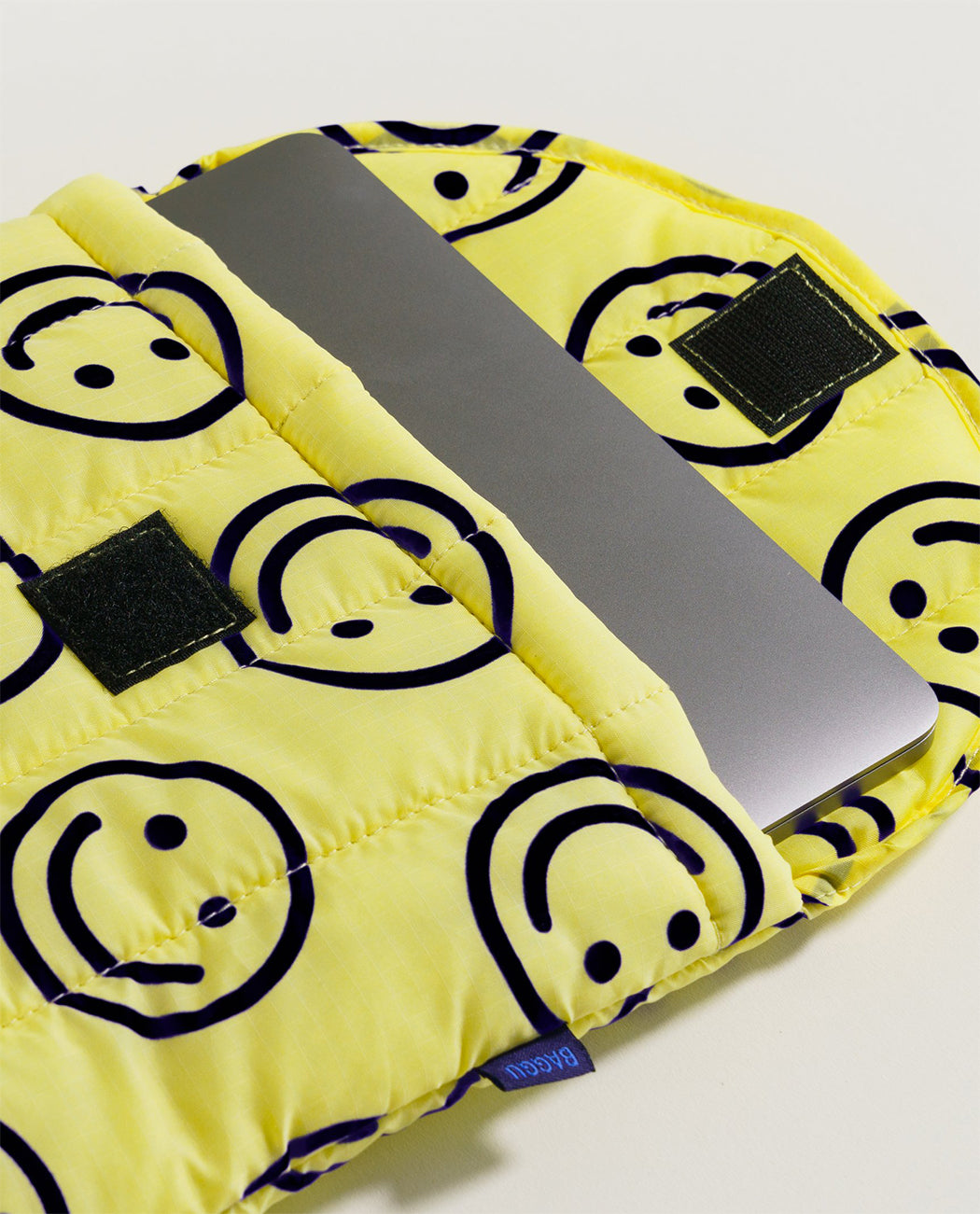 Baggu Puffy Laptop Sleeve 13 inch 16 yellow happy Utrecht Nederland europe