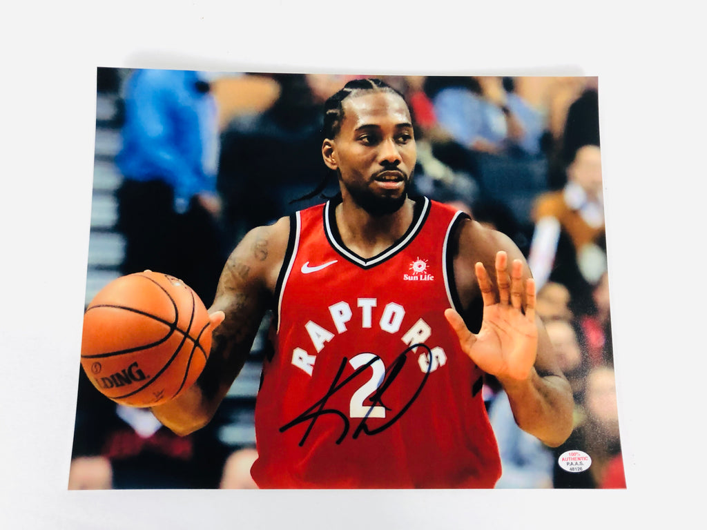 Kawhi Leonard Autographed 8x10 Photo With COA