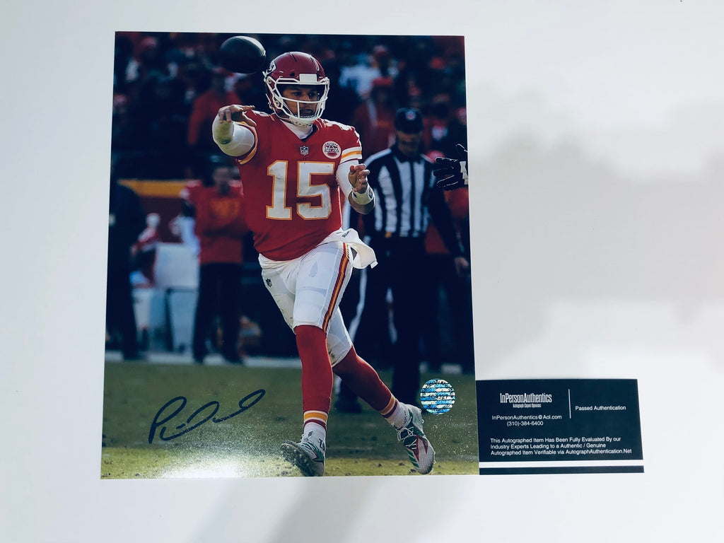 Patrick Mahomes Autographed 8x10 Photo With COA