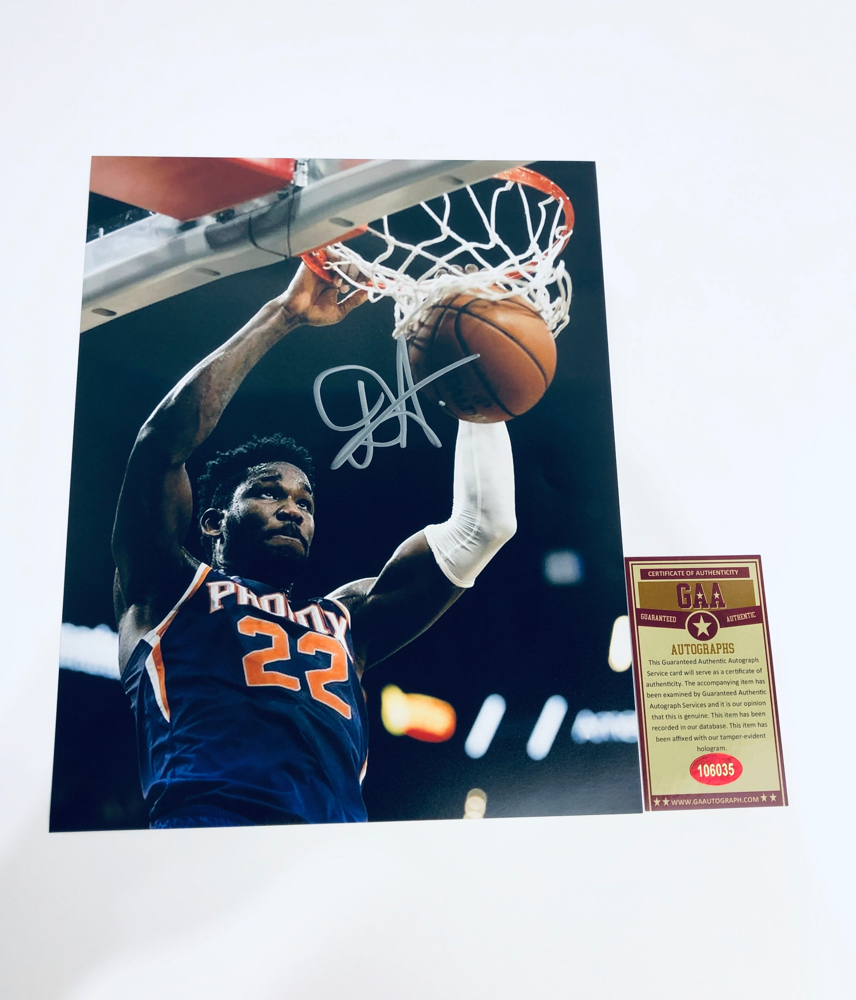 Deandre Ayton Autographed 8x10 Photo With COA