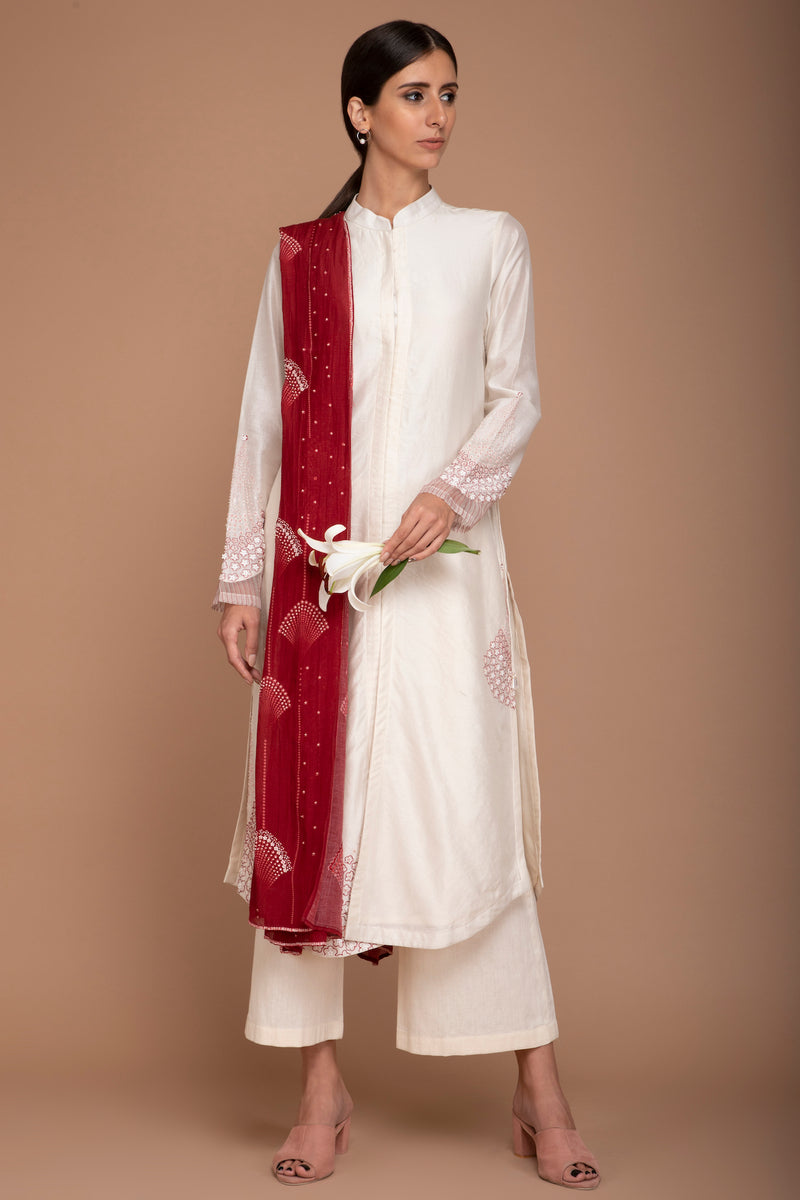 Ivory Chanderi Kurta with Pants and a Maroon Dupatta