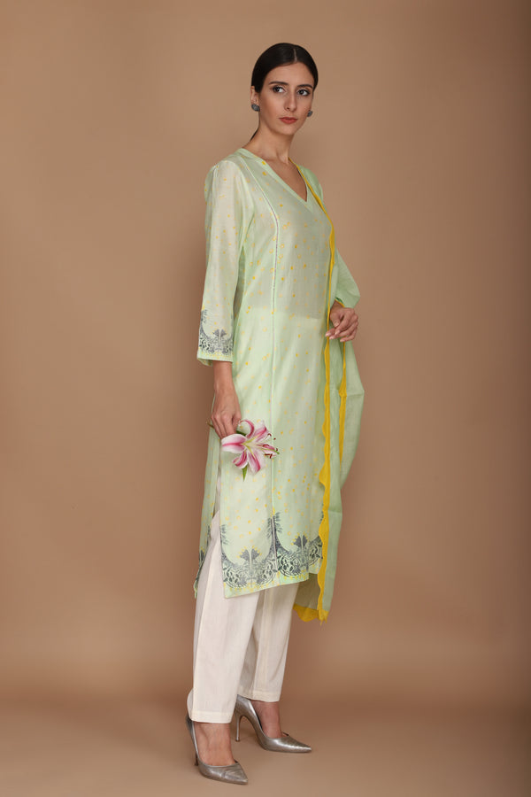Chanderi Digital Print Kurta with Ivory Pants and Mint Coloured Wave Dupatta