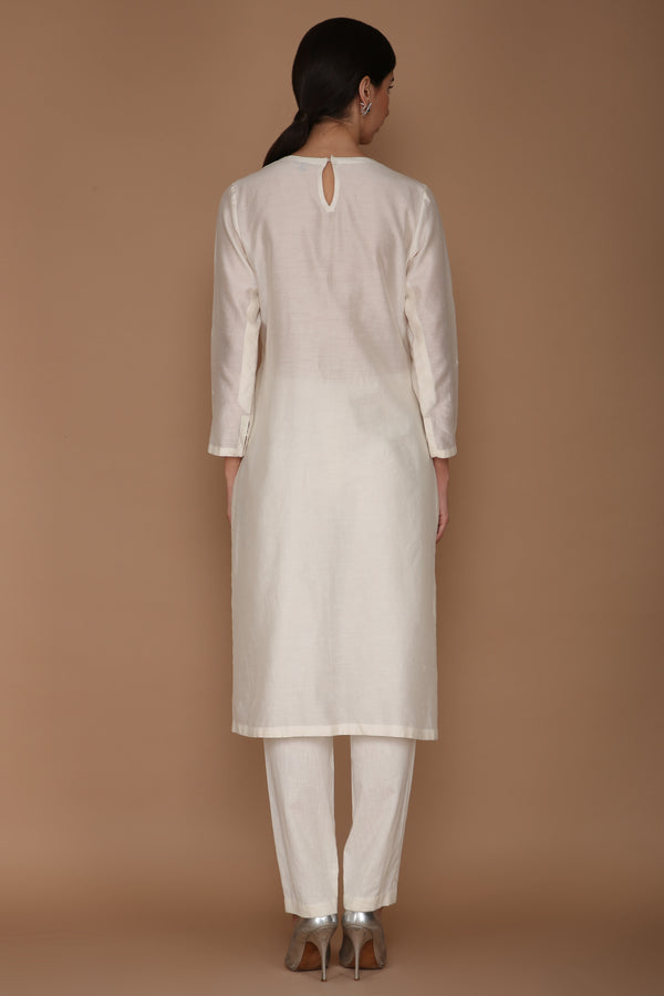 Ivory V-Neck Floral Motif Embroidered Kurta with Trouser and Dupatta