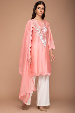 Peach Coloured Chanderi Kurta With A Dupatta And Ivory Pants