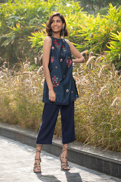 Bunch Of Flower Navy Kurta Set