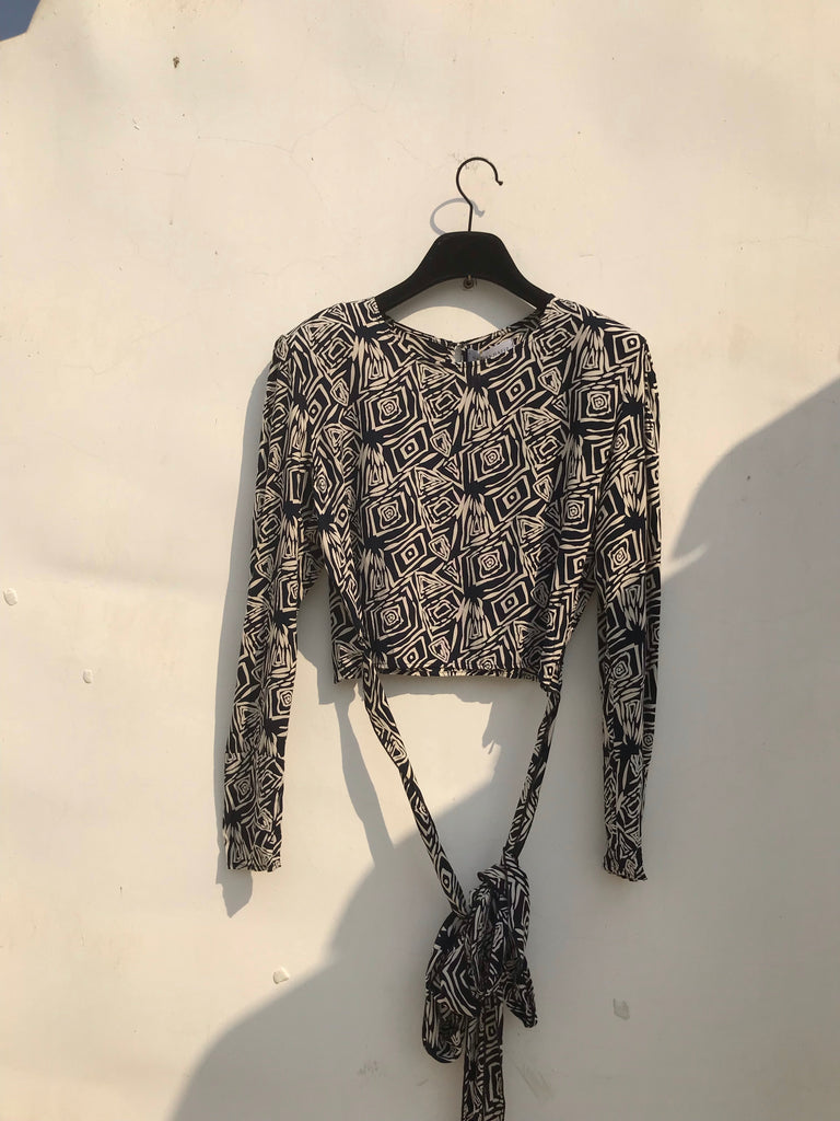 COTTON LONGSLEEVES BLOUSE