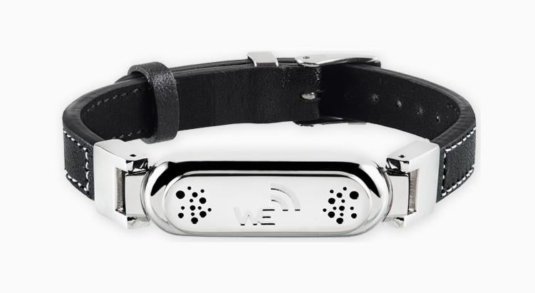 wireless_earth_bracelet_leather_white stitching_black_front_5g_technology