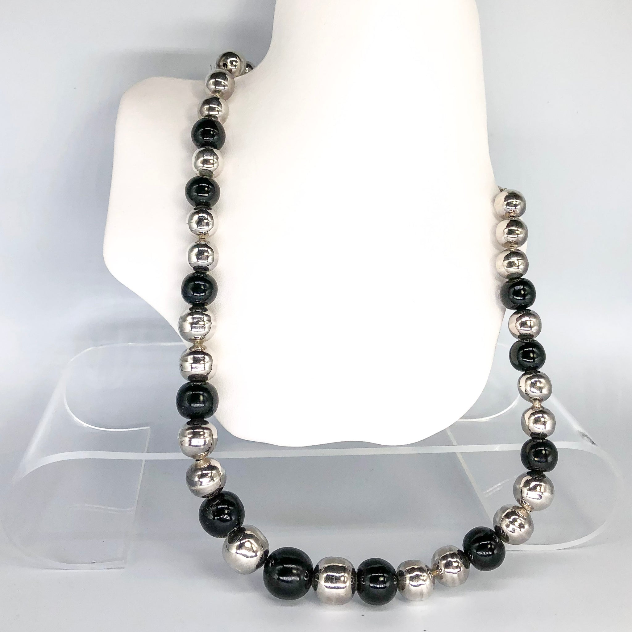 Vintage Large Silver & Onyx Bead Necklace CN0004
