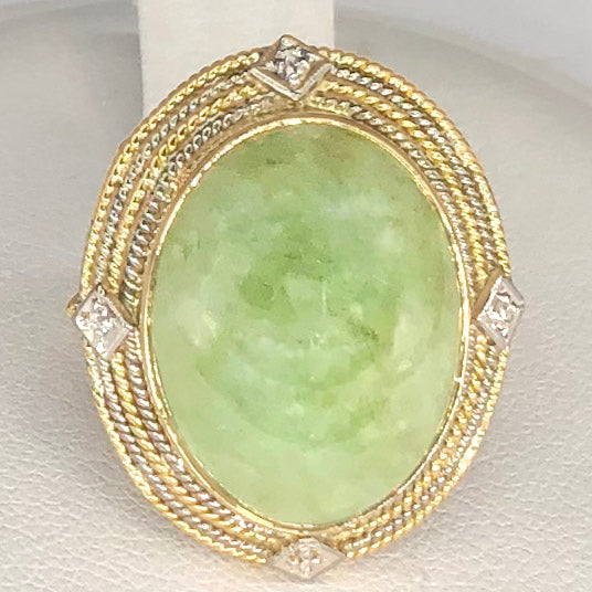 14K Gold Oval Green Stone (Jadeite?) Ring CR0040