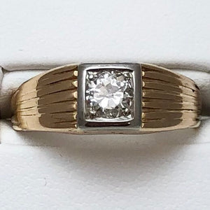 14K Yellow Gold Gent's Ring, Diam @40 Pts Set in White Gold Ring  CR0083