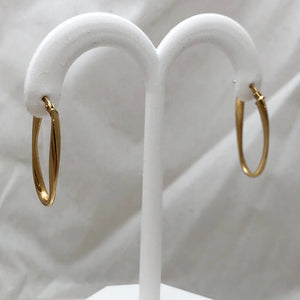 14K Yellow Gold Thin Twisted Long Oval on Post Earrings  CE0043