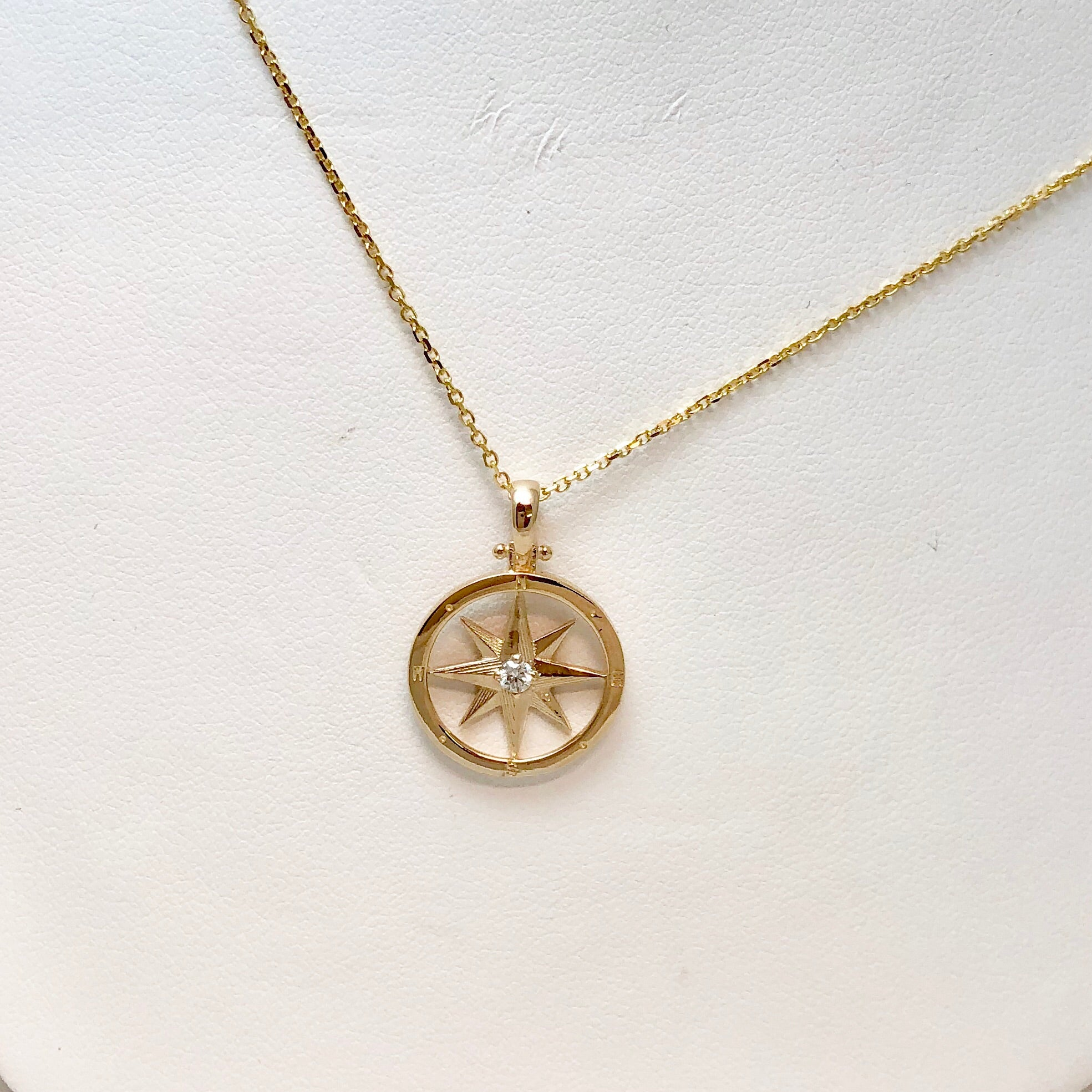 The Touch 14K YG Diam Compass Rose Necklace SI0067
