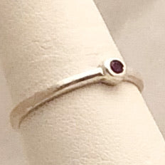 Sterling Silver Ring with Small Red Stone   SI0109