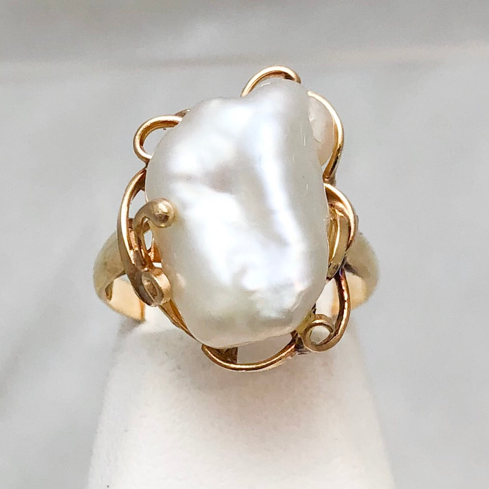 14K Yellow Gold Biwa Pearl Ring   CR0102