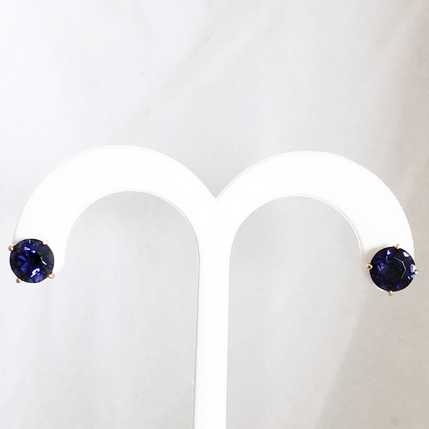 14K Yellow Gold 3.70  cttw Blue/Purple Iolite Stud Earrings   CE0089