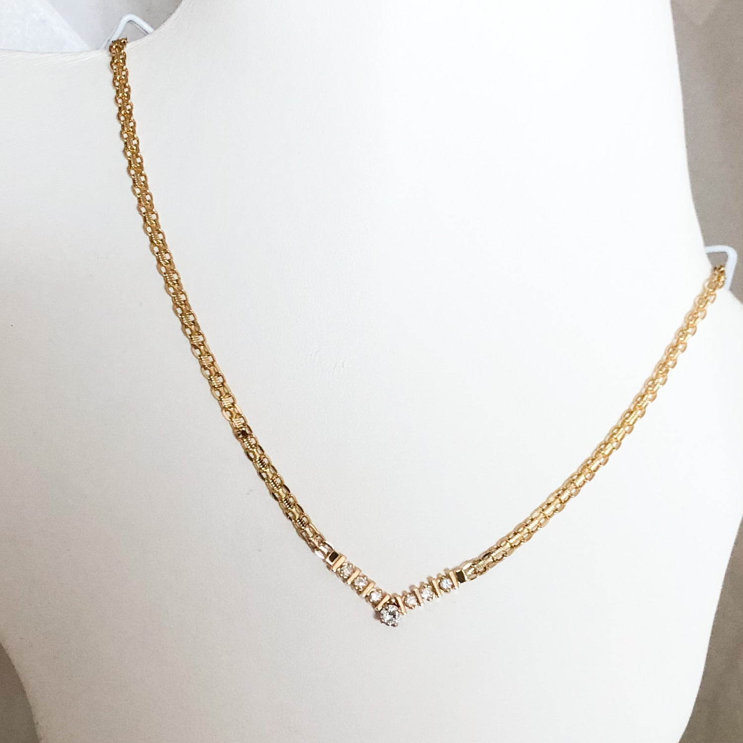 14K Yellow Gold Necklace with Seven Diamonds in a V Shape    CN0051